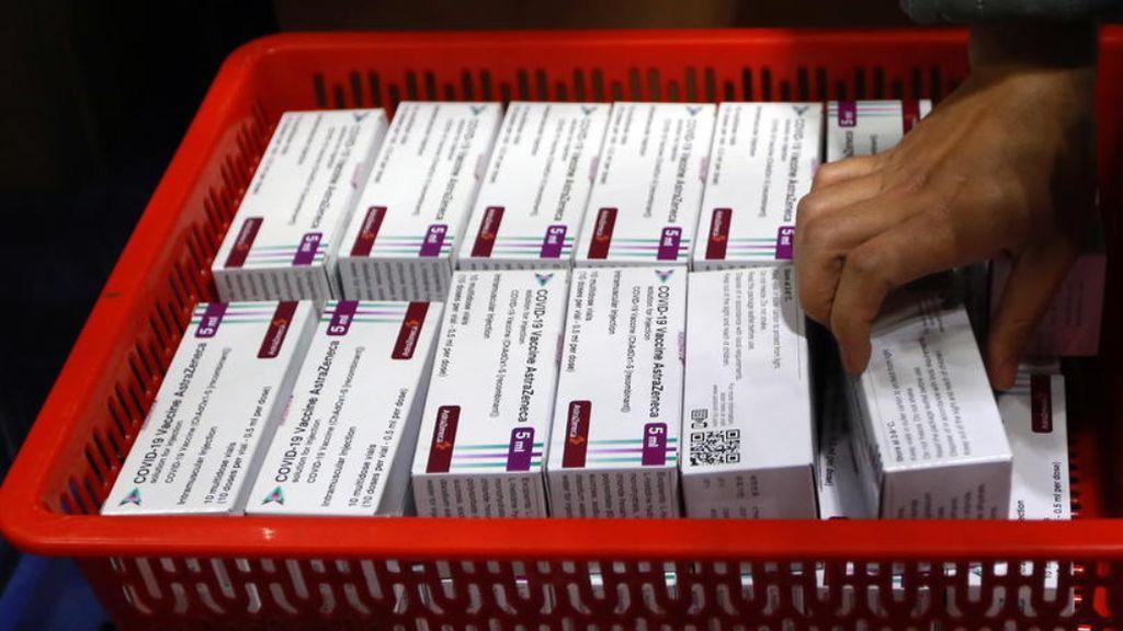 Sanidad traslada los síntomas de alarma por trombosis en pacientes vacunados con  AstraZeneca