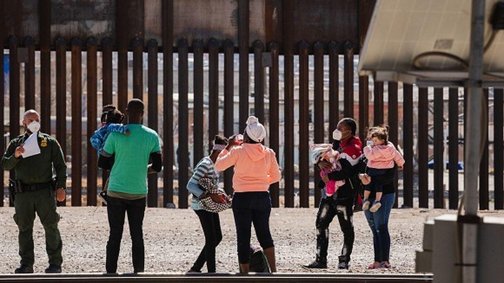 La administración Biden reabre los campos de detención de menores en la frontera con México