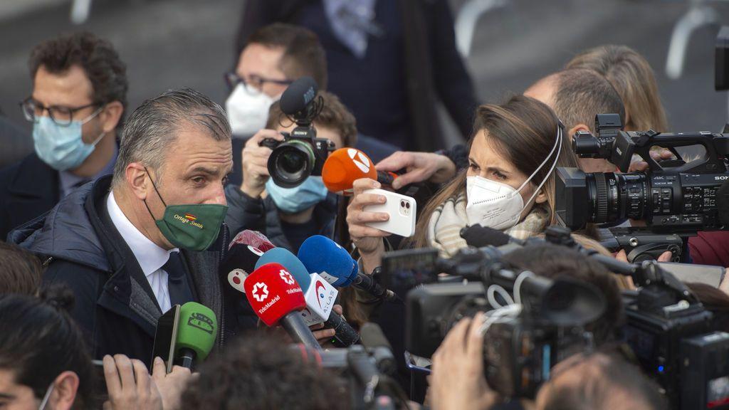 Ortega Smith (Vox) exige elecciones en Murcia con una manifestación de coches