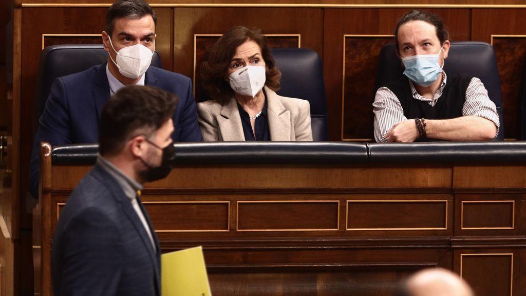 """Rufián llama """"chabola"""" a la democracia en España y pide al Gobierno que elija entre ellos o el """"outlet"""" de la derecha"""