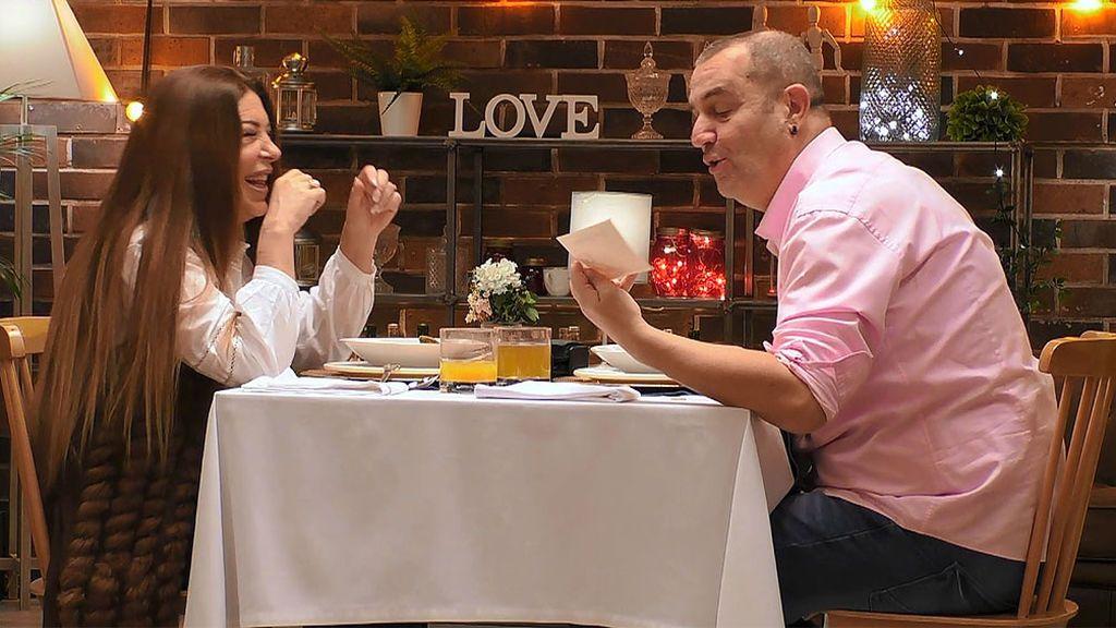 Almudena Herrero y Erramun en el programa 'First Dates'