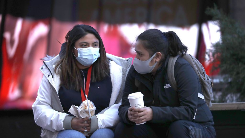 Por qué hay que seguir usando mascarilla después de vacunarse