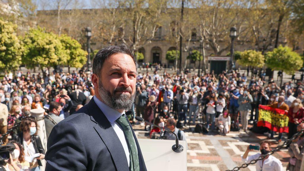 La Policía corta los accesos a un acto de prensa de Abascal en Sevilla para evitar un mitin multitudinario