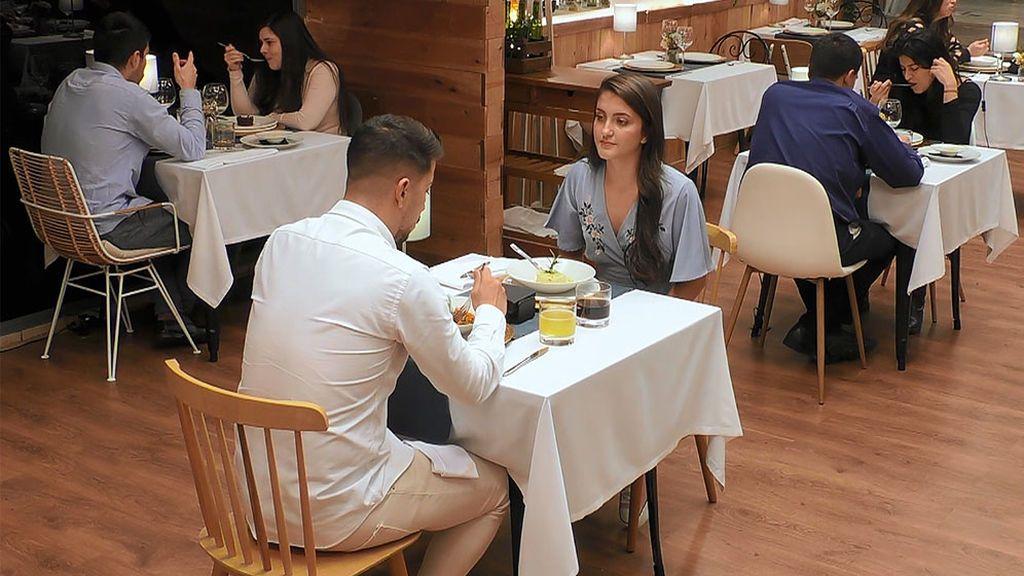 Noelia y José en el programa 'First Dates'