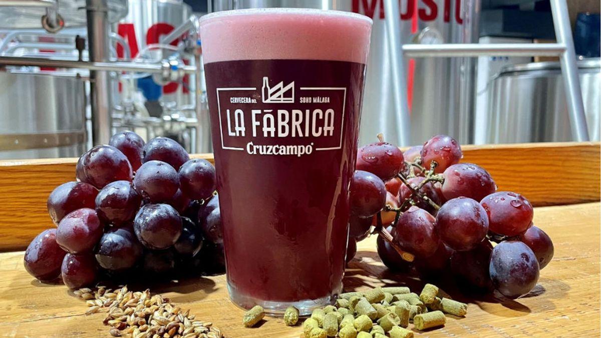 Cerveza con color y sabor a vino: Cruzcampo arriesga con un híbrido de versión limitada