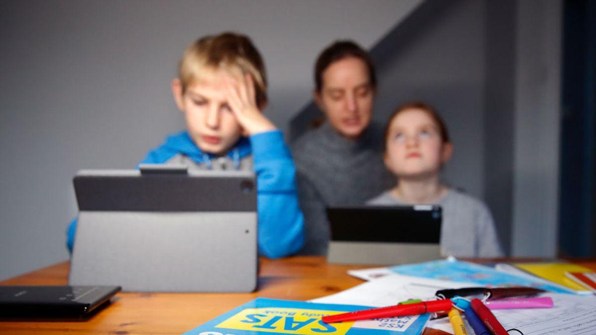 El debate de deberes: las nuevas tecnologías complican más las tareas escolares
