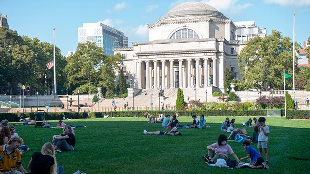 Las ceremonias de graduación de la Universidad de Columbia abren un nuevo debate racial en EEUU (FINDE)