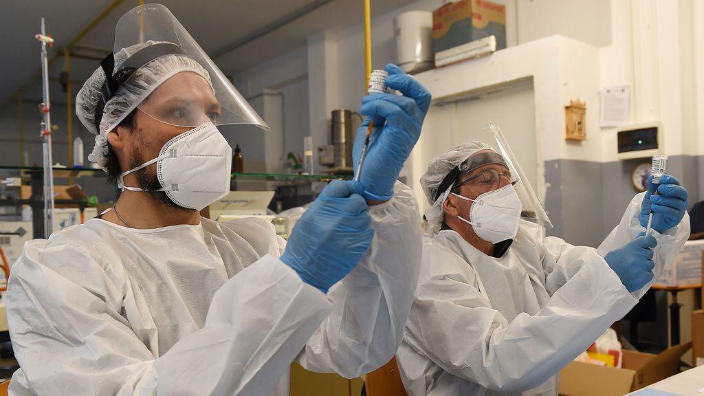 AstraZeneca vuelve, pero con dudas: qué hay detrás de los casos raros de trombosis