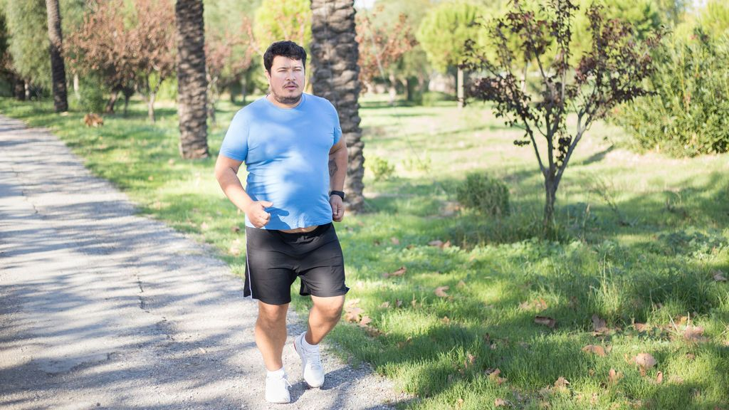 Caminar lento  aumenta el riesgo de enfermedad grave y muerte por covid19