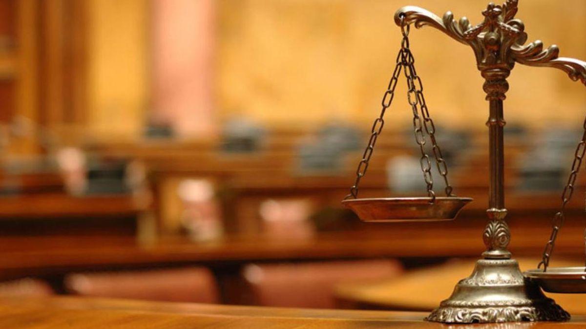 """Anulado un juicio porque el portavoz de jurado cambió el voto para no dormir en un hotel: """"Culpable y todos a casa"""""""