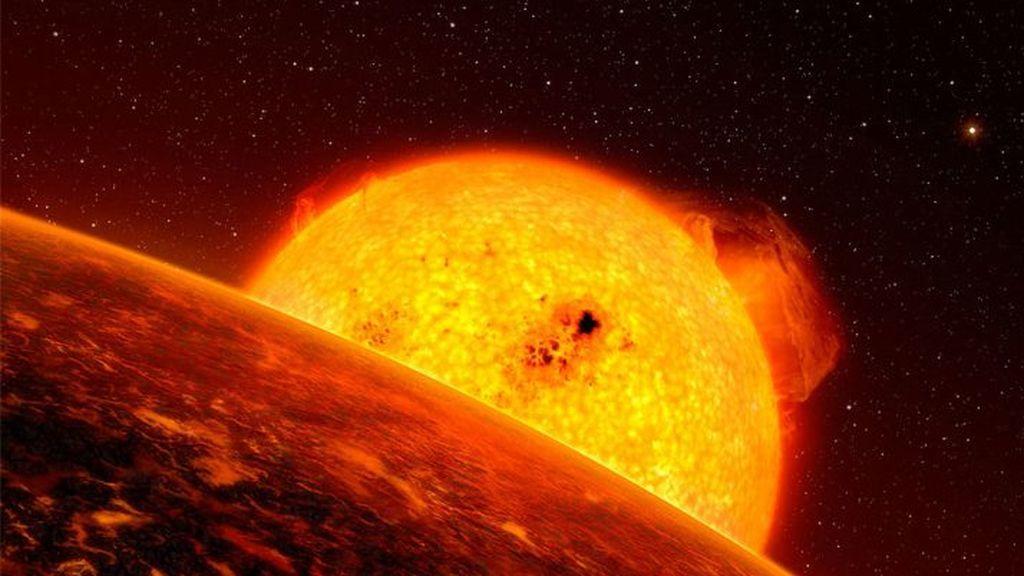 Red-giant-and-planet-Credit-ESO-L-Calcada-e1610569383324