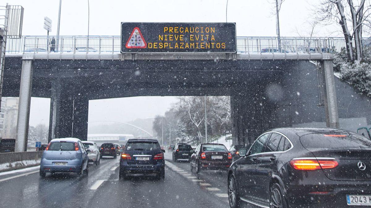 Madrid activa el plan de inclemencias y pide no ir a la Sierra ante el frío y la nieve en el puente de San José