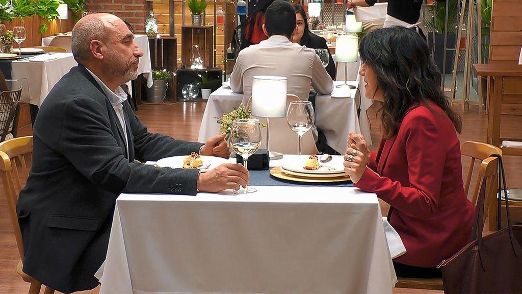 Pilar y Enric en el programa 'First Dates'