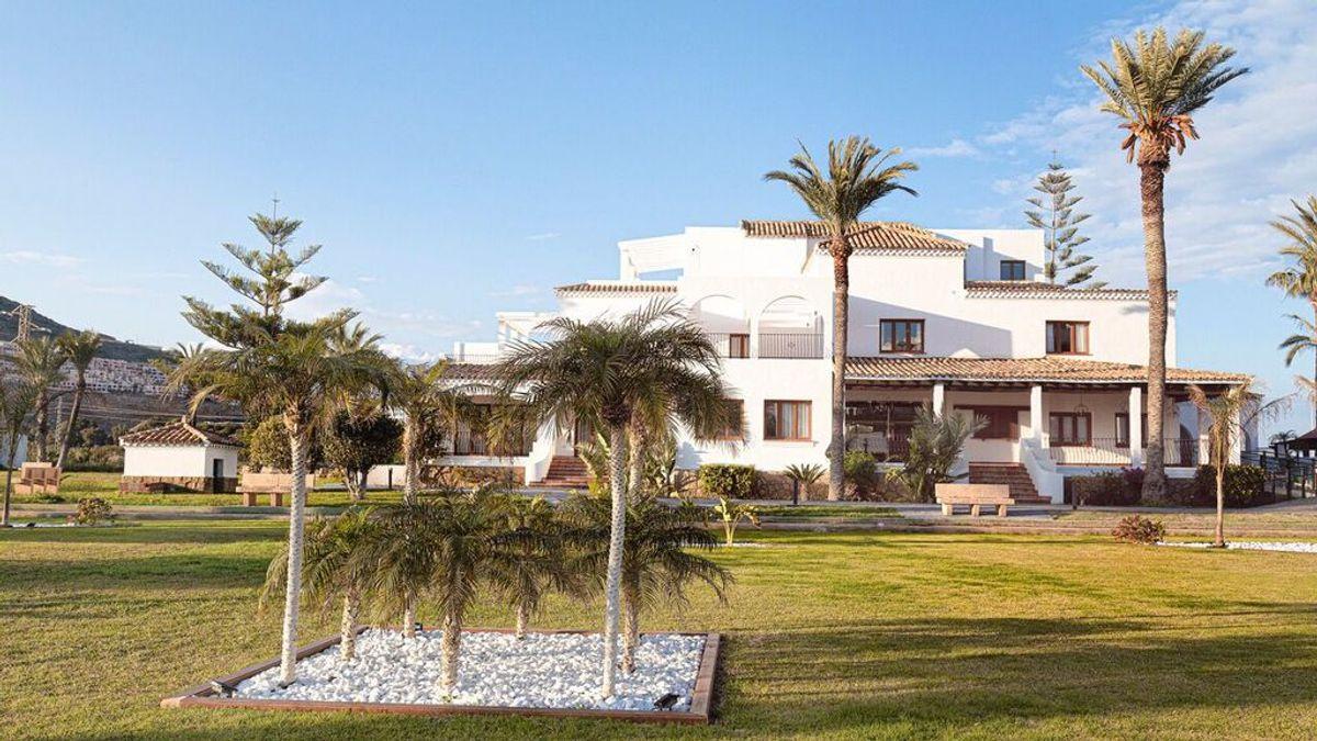 Un hotel de cinco estrellas a punto de abrir sus puertas en Mojácar