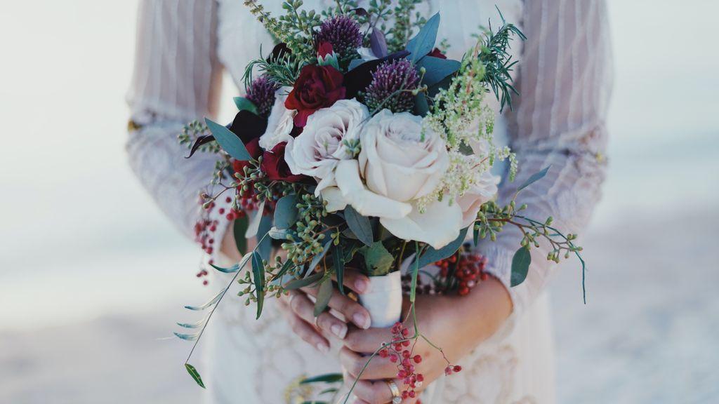 Tu ramo de novia siempre contigo: cómo convertirlo en el cuadro más bonito de tu salón
