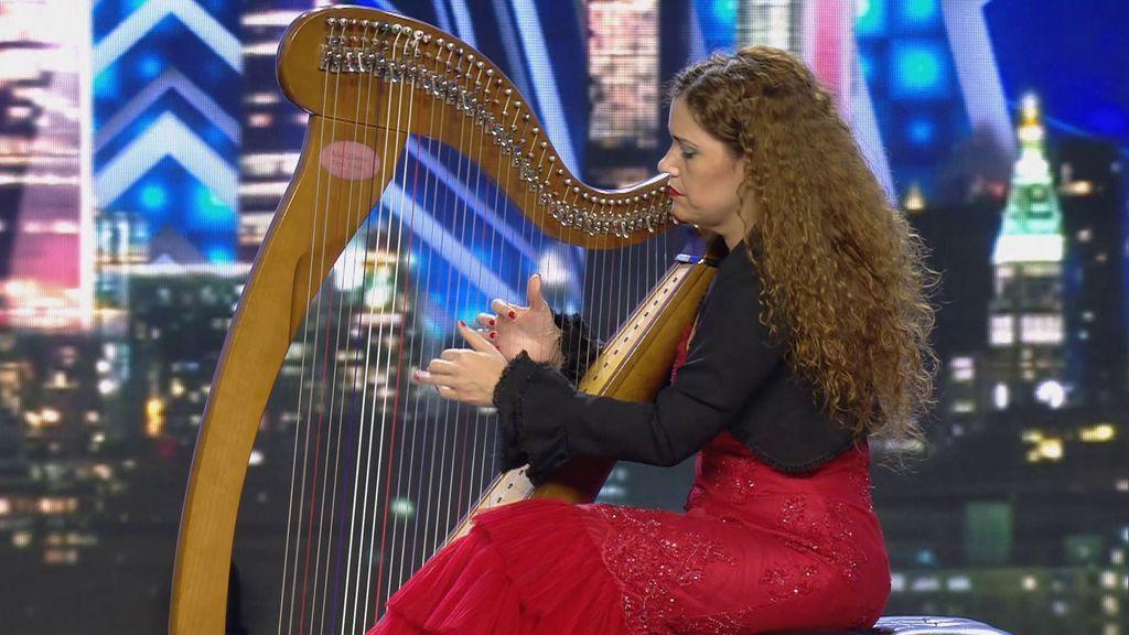 """Ana Crismán fascina al jurado con su fusión de arpa y flamenco: """"Eres 'Got talent' al cuadrado"""""""