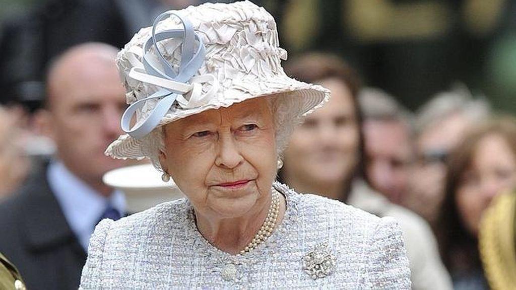 La reina Isabel II cancela un acto al que estaban invitados los duques de Sussex