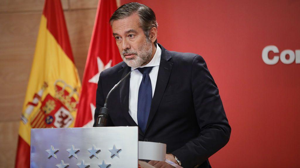 """Enrique López dice que las """"mentiras e insultos"""" de Iglesias contra Ayuso le """"suenan a amenazas"""""""