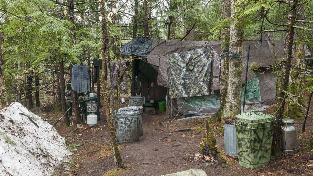 65-JSM-Chris-Knight-Investigation-Camp-207
