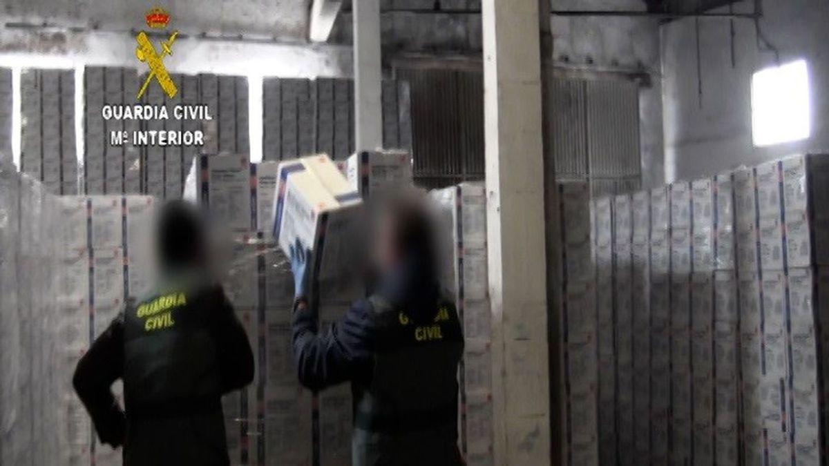 EuropaPress_3613320_material_sanitario_intervenido_guardia_civil