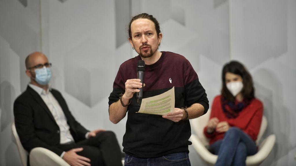 """Iglesias avisa al PP de que """"levantará las alfombras"""" si gobierna tras décadas de """"robar a manos llenas"""""""