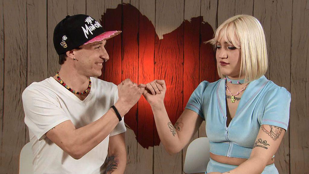 Iria y Pepelu en el programa 'First Dates'