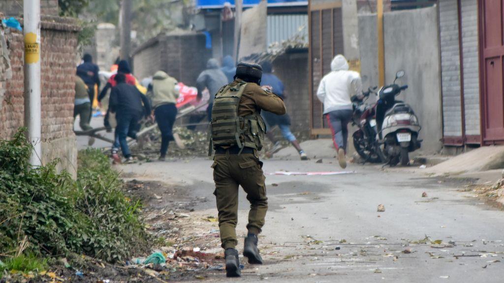 Al menos cuatro islamistas muertos en un enfrentamiento entre el Ejército indio y rebeldes en Cachemira