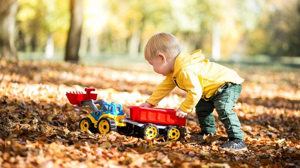 5 ideas de actividades al aire libre para pasar tiempo con tus hijos: disfrutar de la naturaleza será esencial para su desarrollo.