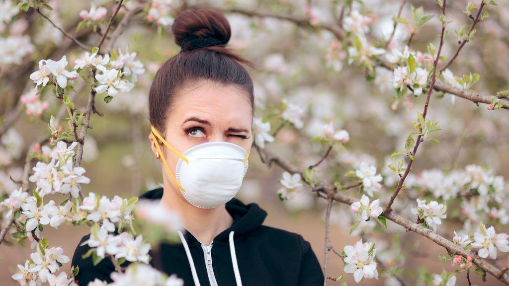 Las mascarillas pueden ayudar a mitigar los síntomas de las alergias