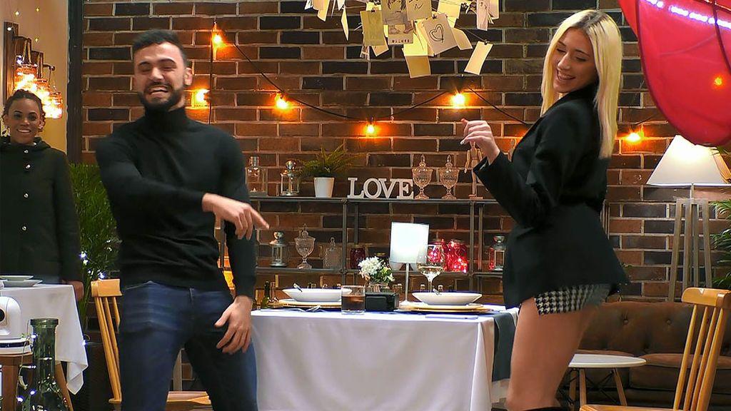 Álex y Paula en el programa 'First Dates'
