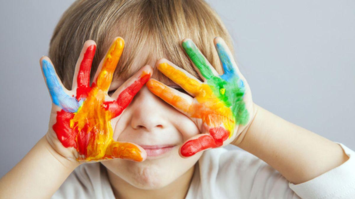 Aprender jugando, uno de los momentos más importantes de su desarrollo: la pintura comestible se convertirá en vuestro mejor aliado.