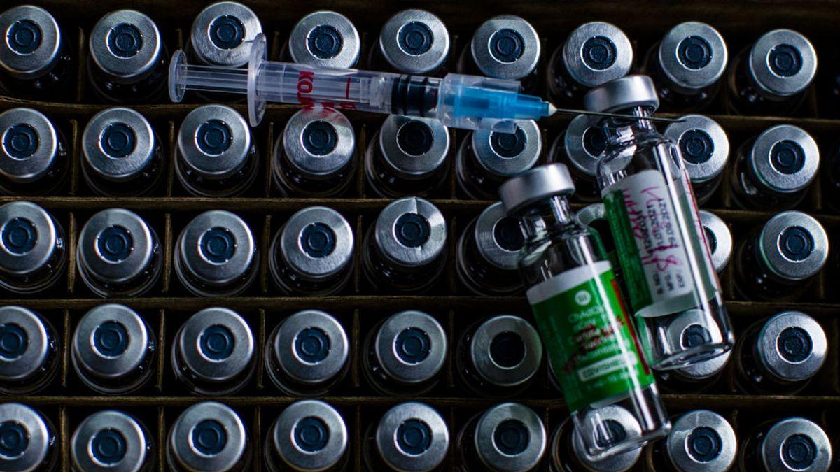 La escasez de materias primas y la geopolítica complican la cadena de suministro de las vacunas