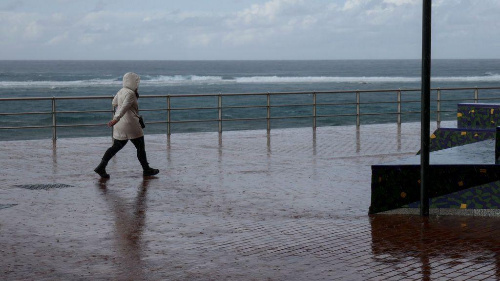 Una borrasca aislada provocará lluvias en Canarias y más calor en el resto de España