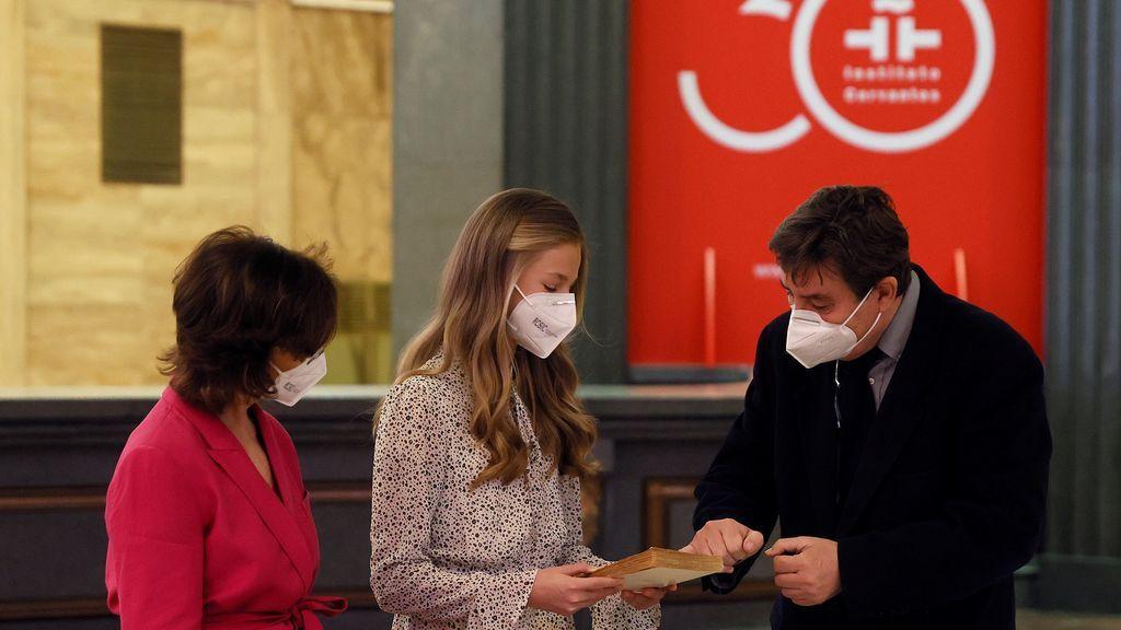 La princesa Leonor junto a Carmen Calvo y Luis García Montero