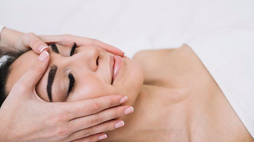 Masajeador de malaquita, el elemento perfecto para cuidar tu piel