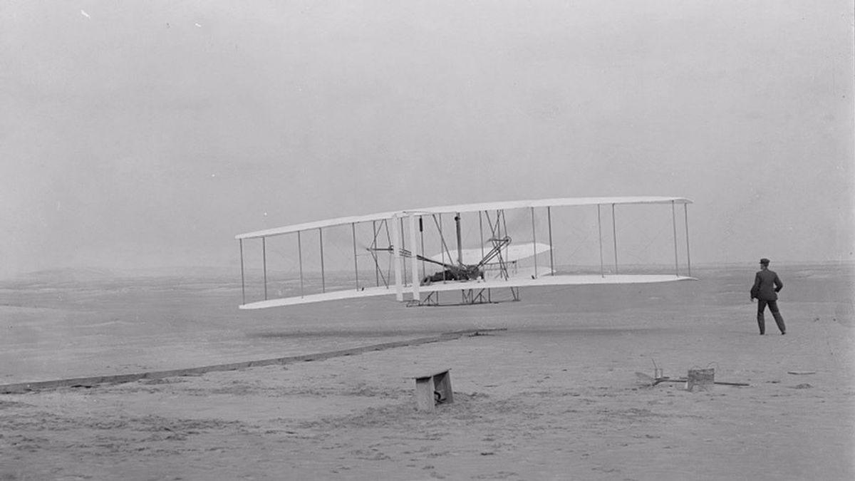 El Ingenuity lleva a Marte un trozo del avión de los hermanos Wright