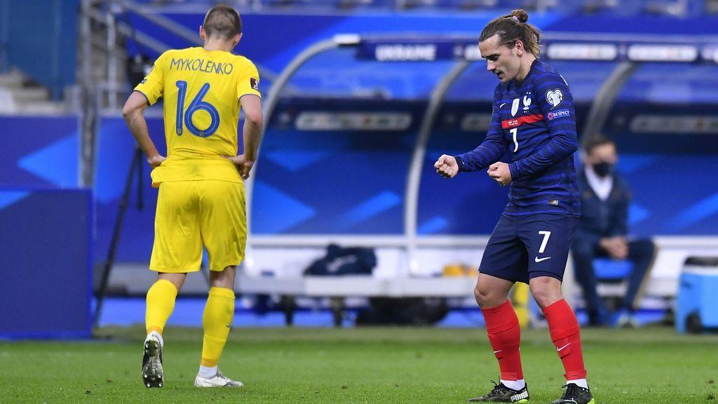 Griezmann adelanta a Francia con un golazo desde fuera del área (1-0)