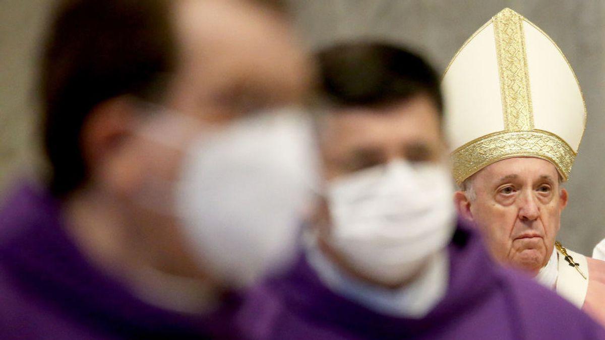 El Papa reduce el sueldo del personal del Vaticano, incluidos los cardenales de la Curia para afrontar la crisis