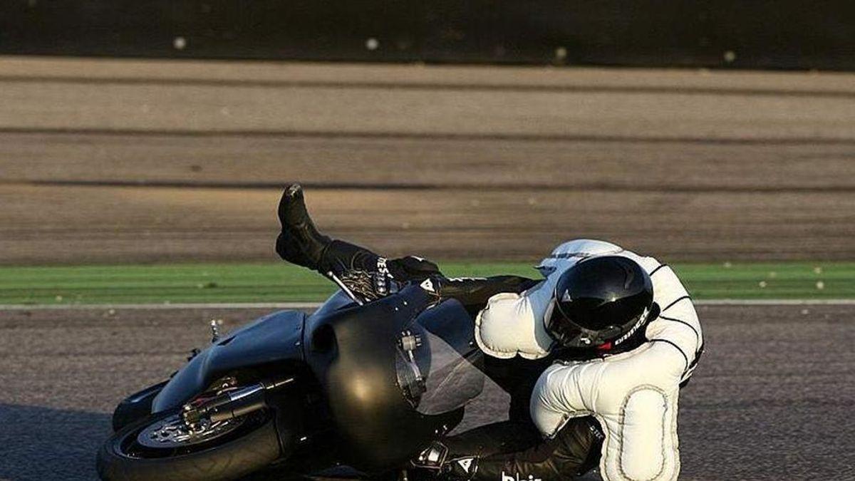 Uso del casco en bici sin excepciones y airbag para conductores de motos de gran cilindrada será obligatorio