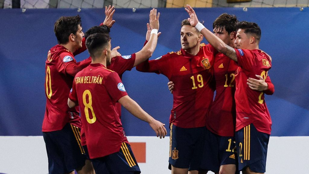 Puado, Gonzalo Villar y Miranda marcaron los goles ante Eslovenia.