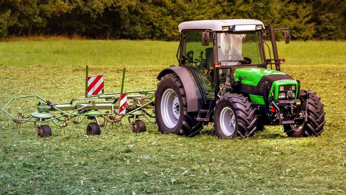 Muere un joven de 21 años al volcar su tractor en una finca de Jerez de los Caballeros, Badajoz