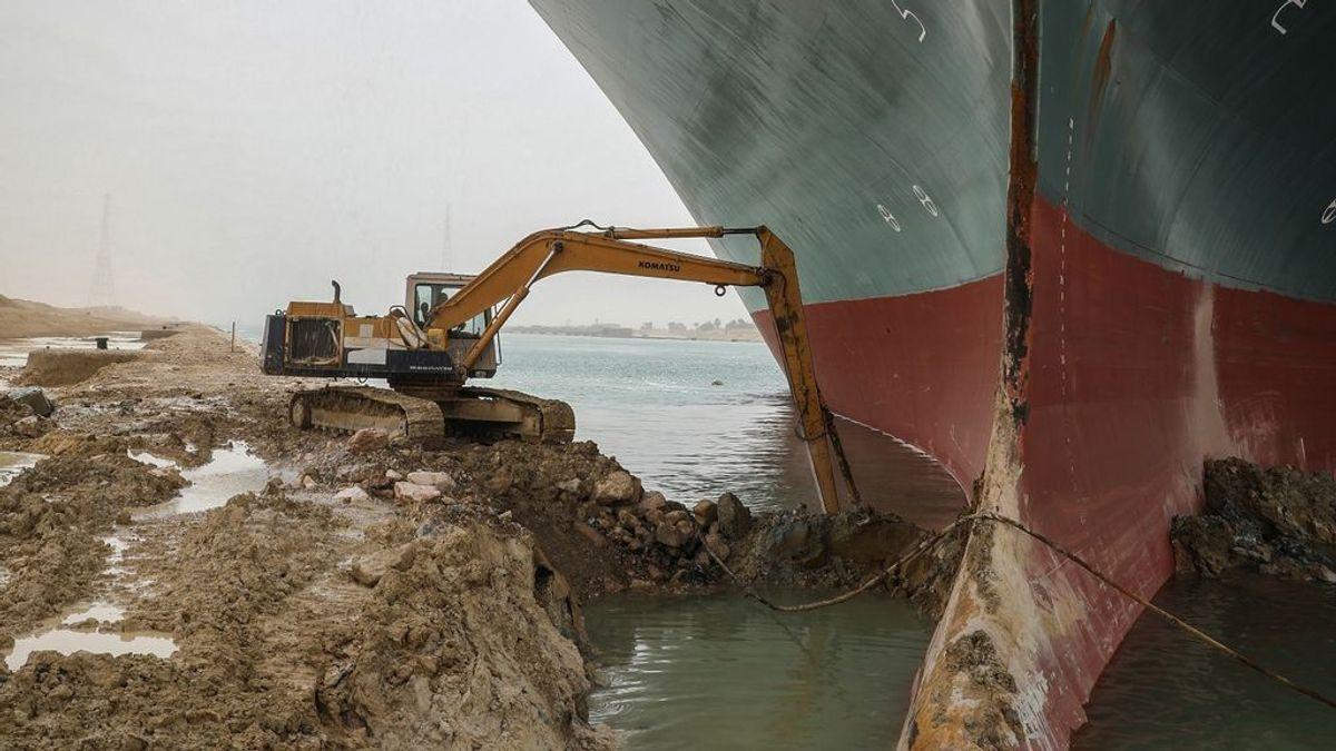 """""""En el mar no se puede echar el freno de mano"""": lo que los expertos dicen del encallamiento del  `Ever Given´"""