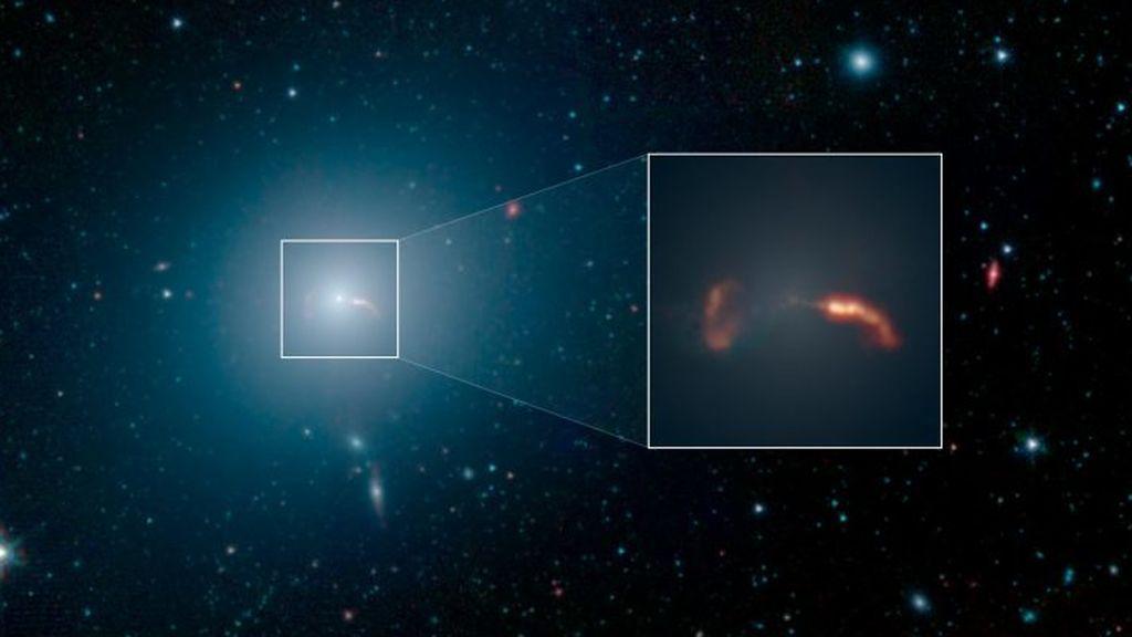 Messier_87_Spitzer_4_25_2019-e1556329854232