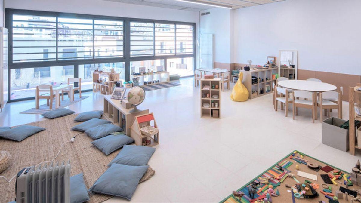 Barcelona substituye los pupitres en el aula por espacios adaptados a los nuevos modelos educativos