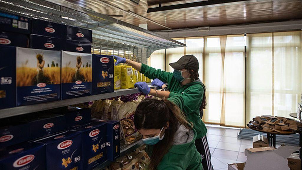 Las colas del hambre en Milán o la nueva pobreza urbana