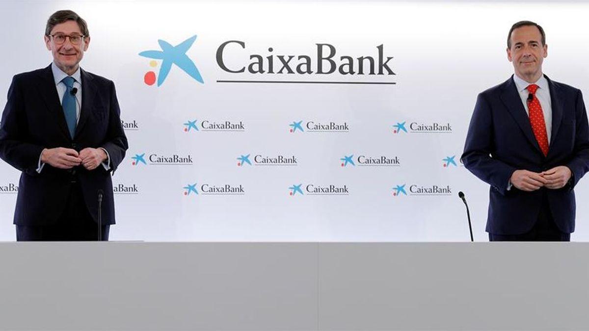 El nuevo presidente de CaixaBank, José Ignacio Goirigolzarri, y el consejero delegado de la entidad, Gonzalo Gortázar