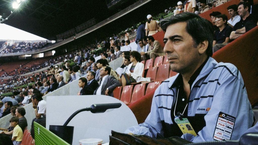 Mario Vargas Llosa, en el Mundial de Fútbol 1982