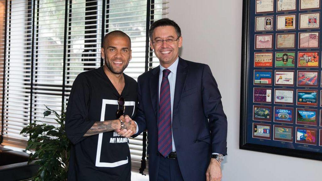 """Dani Alves y el por qué de su salida del Barça: """"No creía en los dirigentes que estaban en ese momento"""""""
