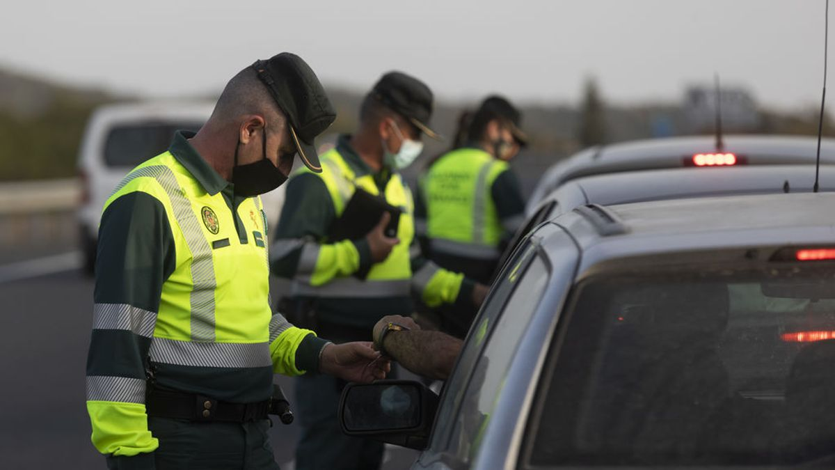 Una pandemia a dos velocidades, cercada por los cierres perimetrales entre comunidades