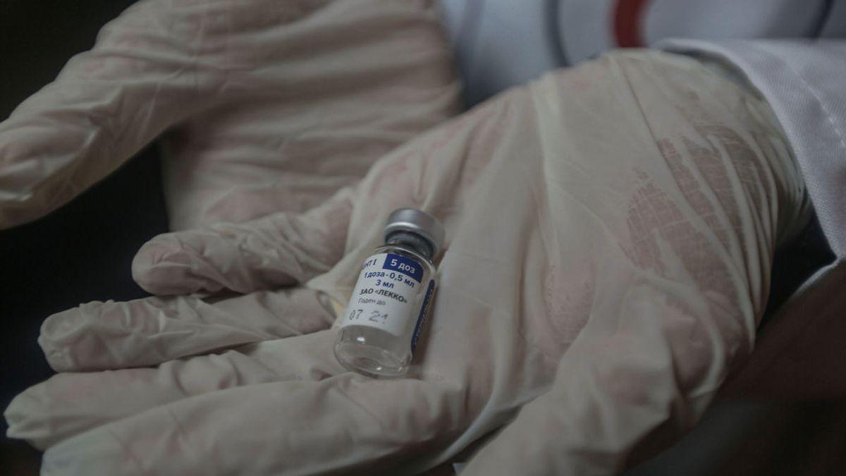 Sputnik Light, la vacuna rusa de una sola dosis, inicia los trámites para su aprobación tras el éxito en los ensayos